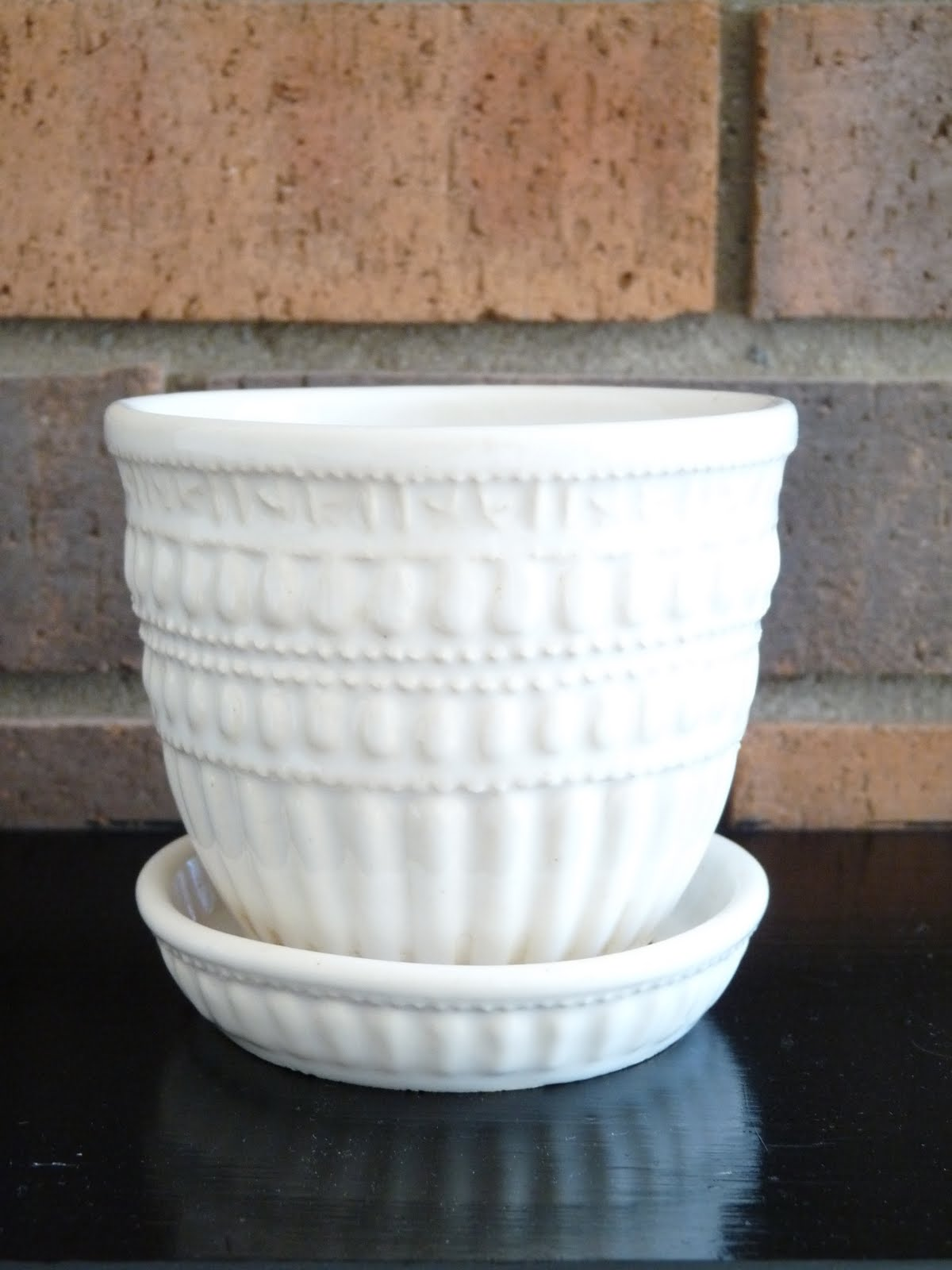 White McCoy Planter