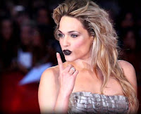 black lips lipstick - labbra nere - rossetto nero - tutorial - laura chiatti - festival del cinema red carpet venezia 2010