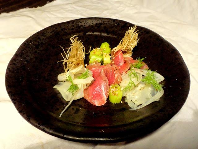 http://emancipations-culinaires.blogspot.com/2015/03/gravlax-de-veau-poireaux-et-fenouil.html