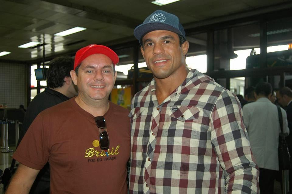 Dr. Porfirio com Vitor Belfort.