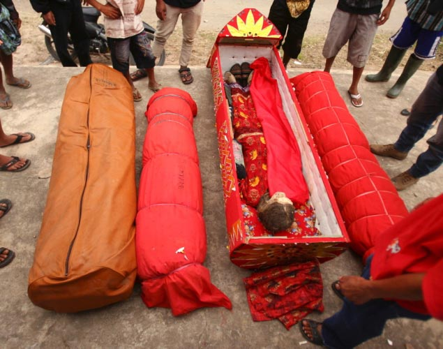 Mortos saem da tumba foto 8