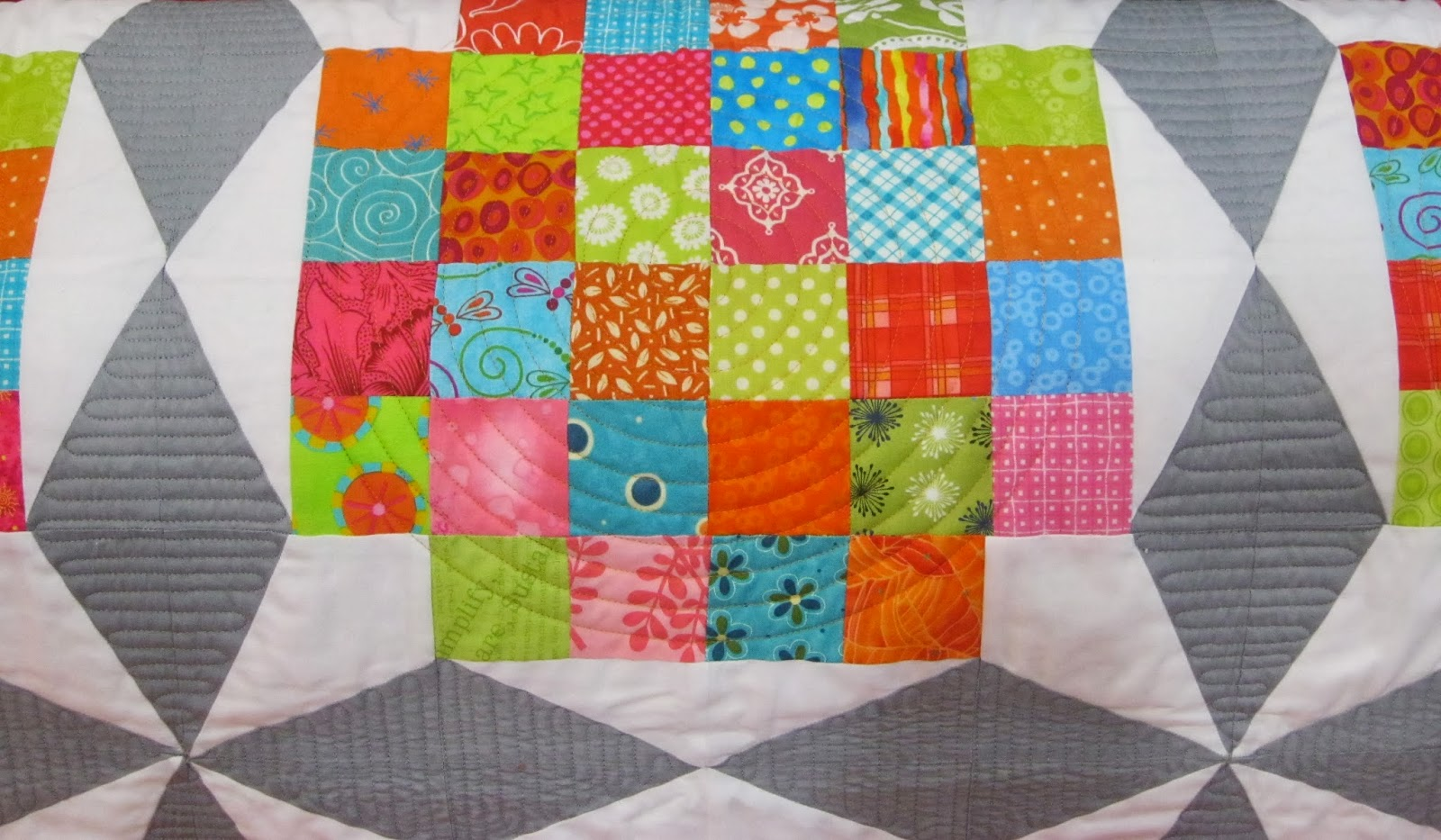 The calico house blog modern quilt with great quilting to for Modern house quilts