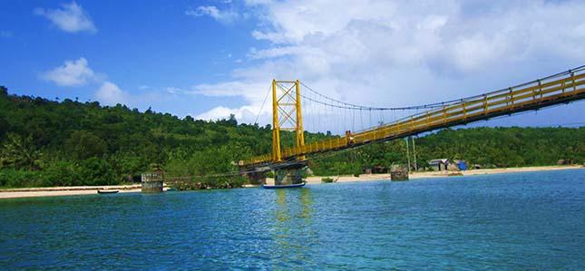 Jembatan nusa lembongan dan ceningan