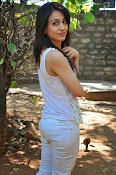 Aksha pardasany glamorous photos-thumbnail-12