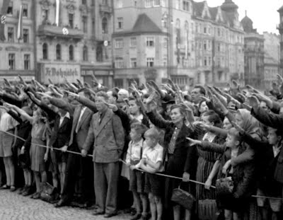 na Nazi koupalisti chlapci
