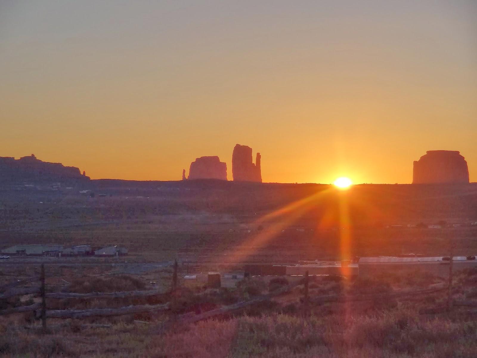 Tear Drop Arco B - B, Monument Valley, Utah, Arizona, Reserva Navajo Bed and Breakfast - Tear Drop (Tear Arco Gota, Monument Valley de Utah)