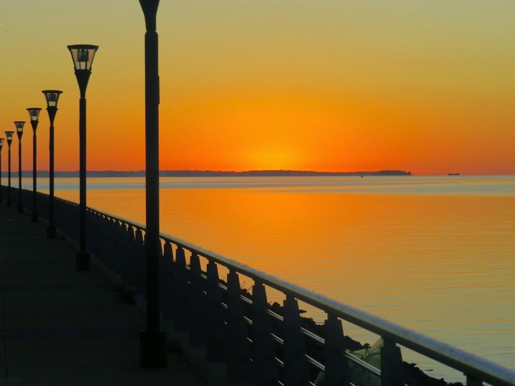 Atardecer en la costanera de Posadas, Misiones