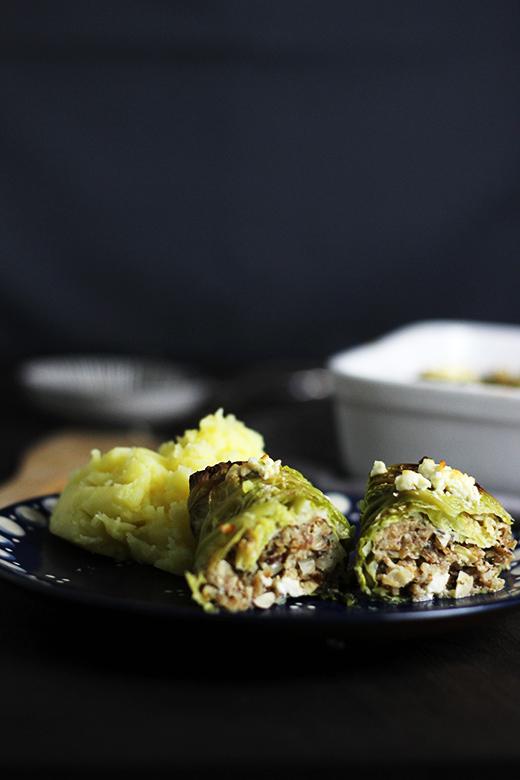 Rezept für vegetarische Wirsing-Rouladen mit Grünkern und Feta, Holunderweg18