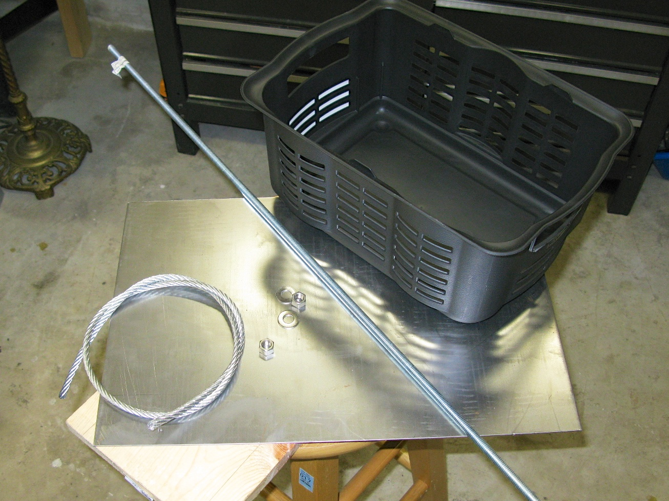 A $30 Electrolysis Setup for Cleaning Cast Iron   Raven's Nest