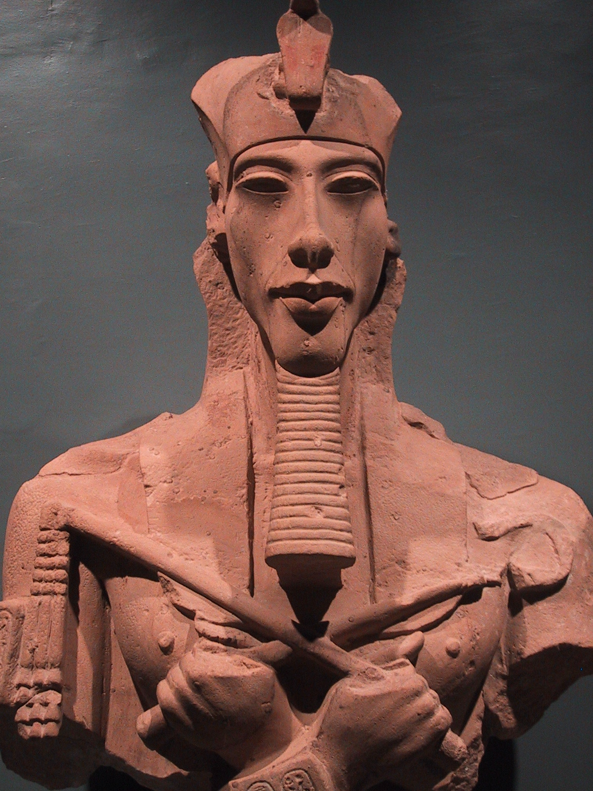 akhenaten and nefertiti history 7 the royal family akhenaten, nefertiti, and their children akhenaten had 6 daughters from his chief royal wife, nefertiti as akhenaten wanted a son, he married.