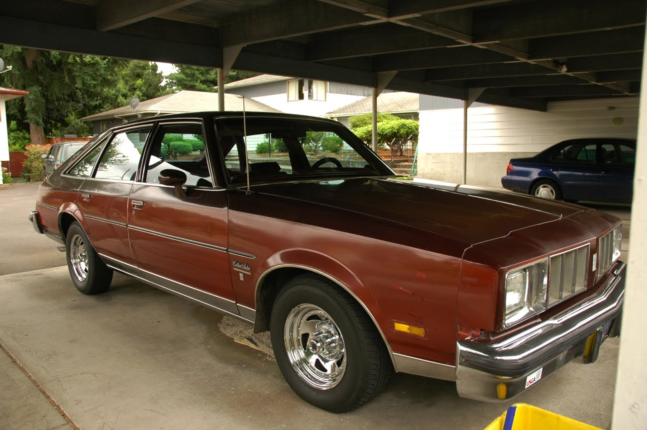 old parked cars 1979 oldsmobile cutlass salon brougham