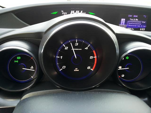 015-2015-Honda-Civic-Sport-Edition-test-