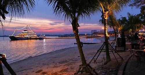 Danga Bay (lido beach)