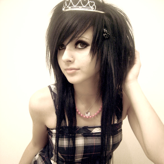 Emo Hair Styles With Bangs