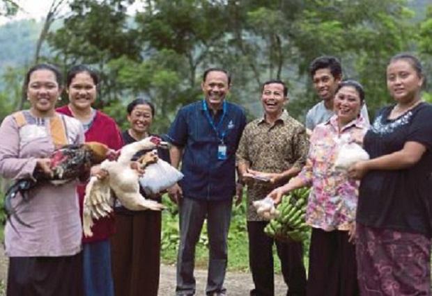 Penduduk Kampung Bayar Bil Elektrik Dengan Hasil Pertanian
