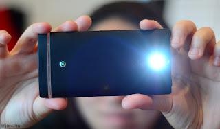 handphone kamera canggih, ponsel kamera terbaik, handphone yang bagus buat foto kamera, kelebihan smartphone kamera