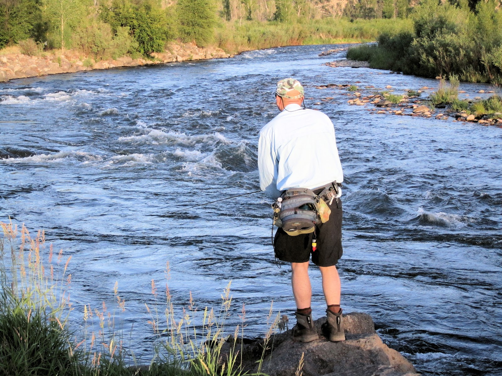 Jay scott outdoors fly fishing the roaring fork river for Roaring river fishing hours