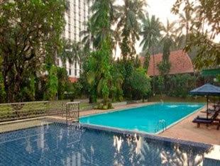 Kolam renang The Sultan Hotel Jakarta