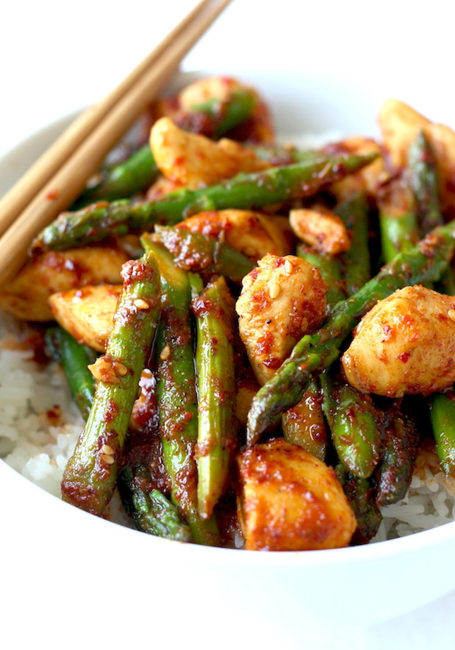 Korean Chicken Stir-Fry with Asparagus recipe by SeasonWithSpice.com