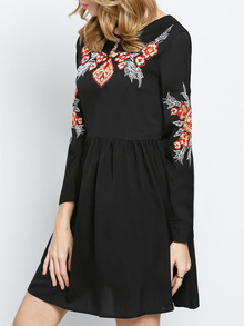 www.shein.com/Black-Long-Sleeve-Embroidered-Pleated-Dress-p-230753-cat-1727.html?aff_id=2525