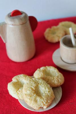 Ciasteczka z kleiku ryżowego (Oshinki)