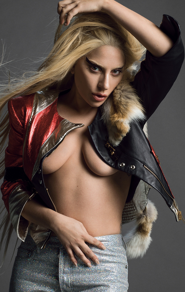 Lady Gaga en topless