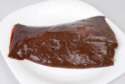 Ten cuidado al añadir hígado a la comida para perros.