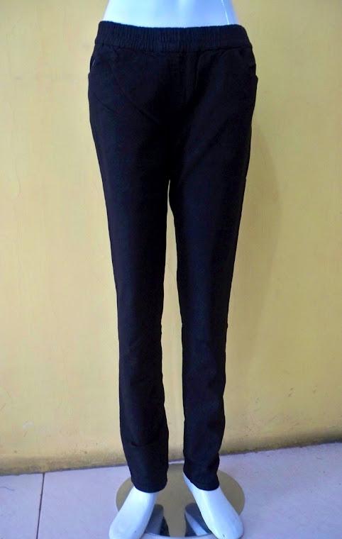 CB 4226 SI Rp.109.000,- (Legging Jeans Black).