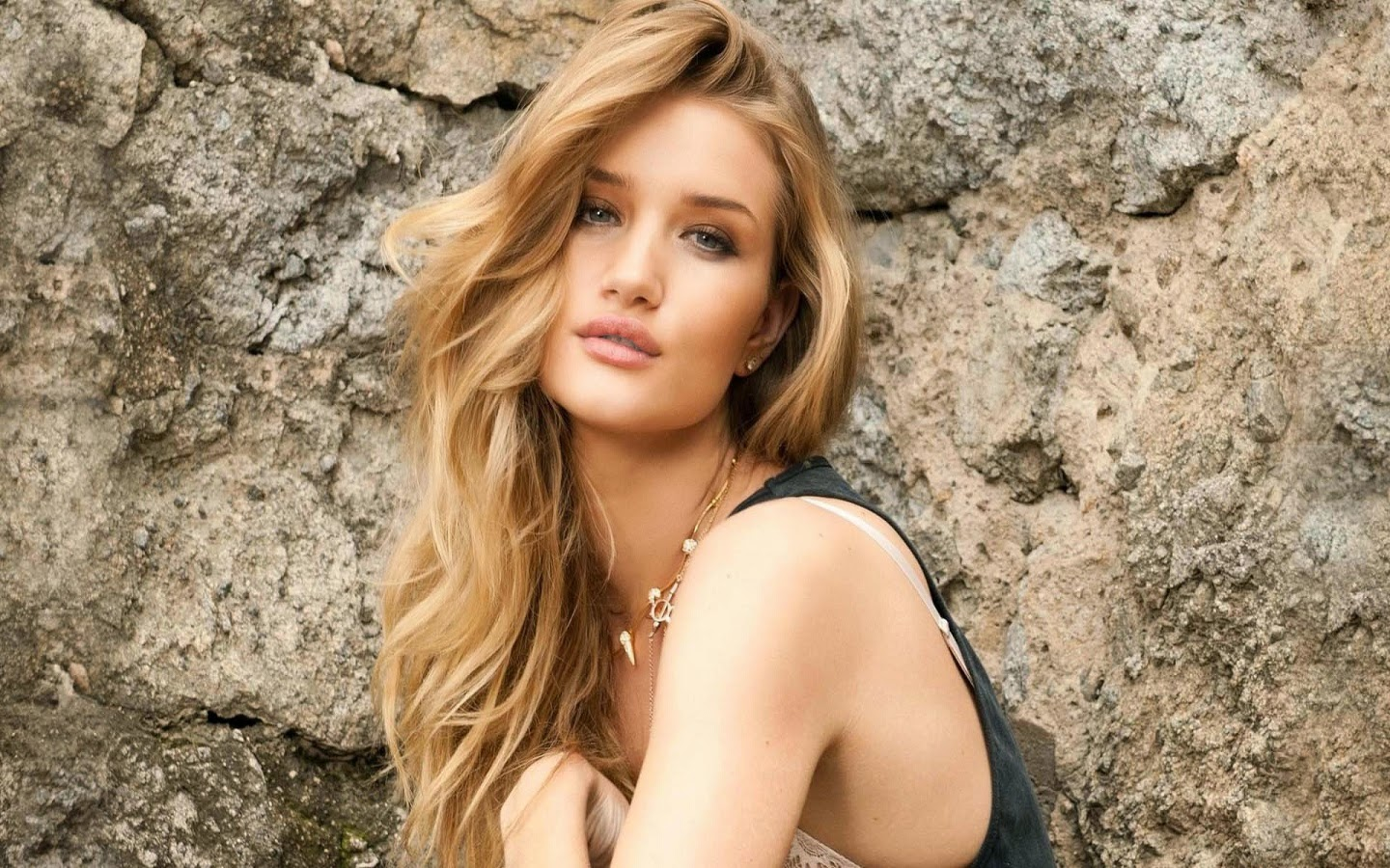 ROSIE HUNTINGTON_WALLSTOWN_IN_HOLLYWOOD ACTRESS_HOLLYWOOD CELEBRITIES
