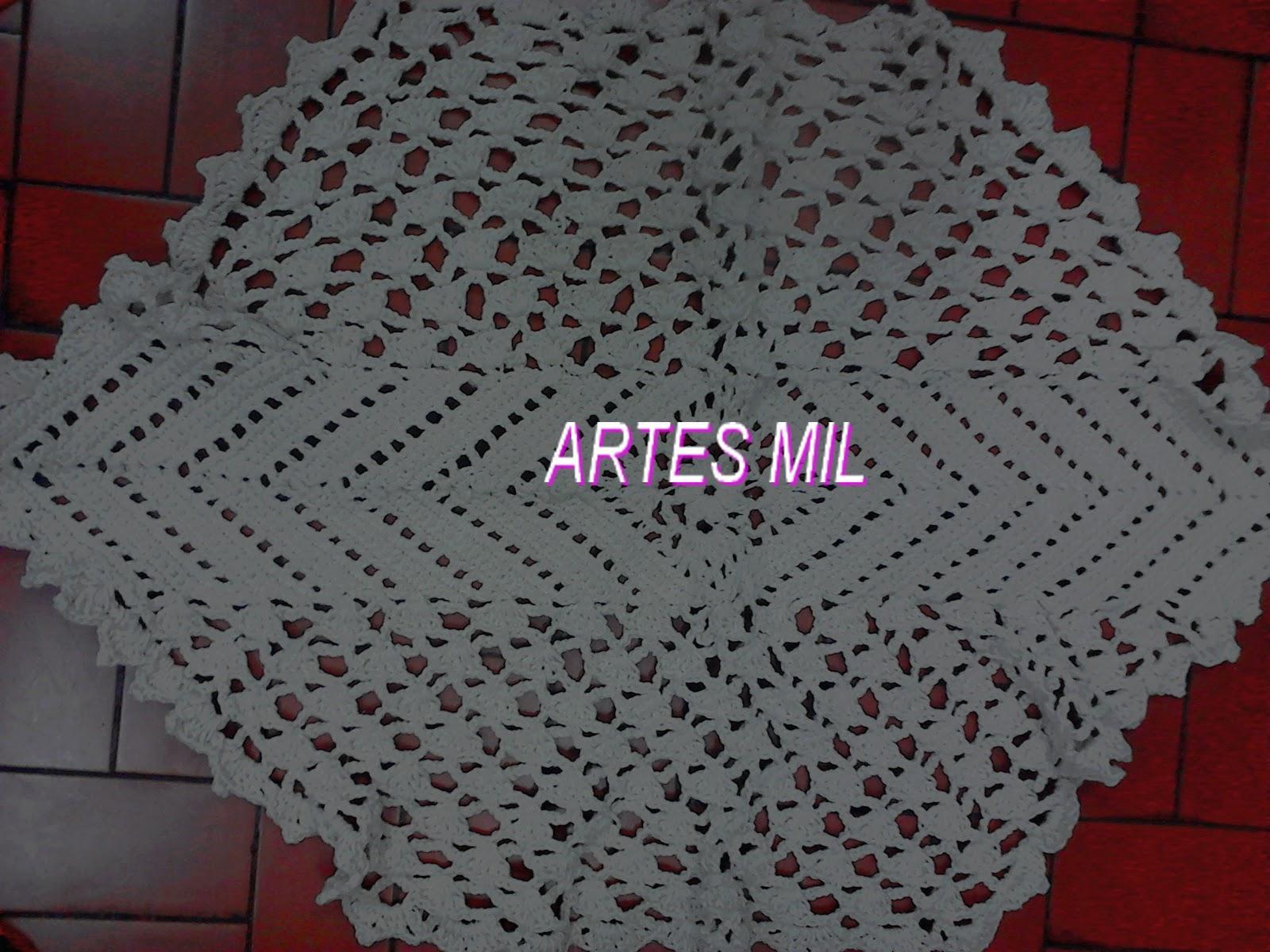 Artes mil artesanatos e cursos jogo de tapetes em croche for Clases de tapetes