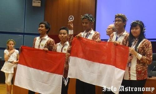 Indonesia Mejuarai Olimpiade Astronomi dan Astrofisika di Yunani