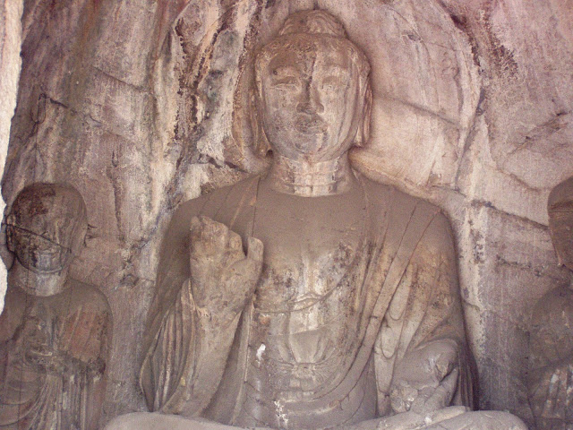 Logmen caves Luoyang Buddha