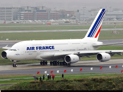 Plane A380 Airbus on In Style Hair  Airbus A380   World S Largest Passenger Aircraft