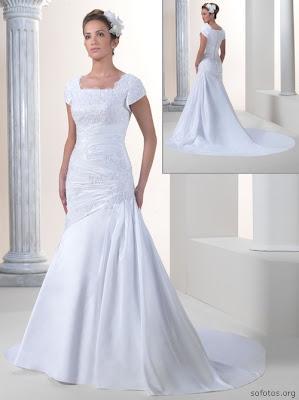 Vestido de noiva, com cauda pequena