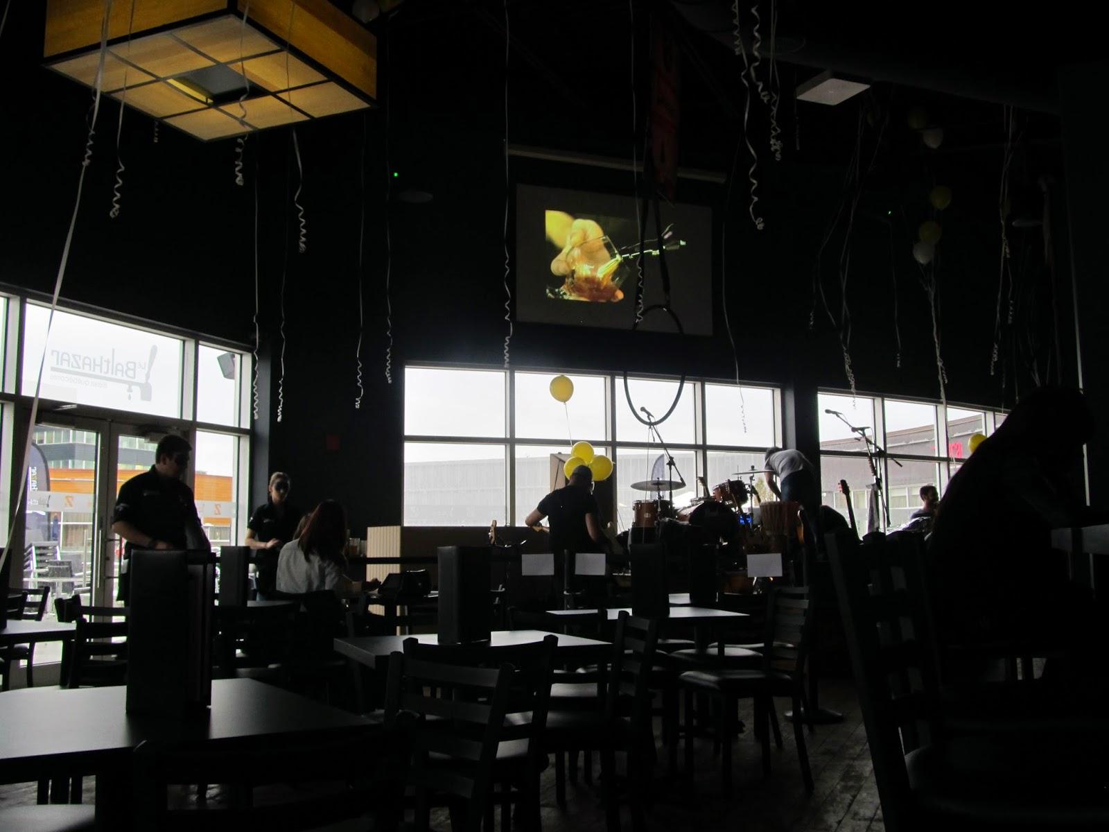 Le #BalthazarDix30: branché, convivial et beaucoup de bière au menu!  #OuvertureBalthazarDIX30