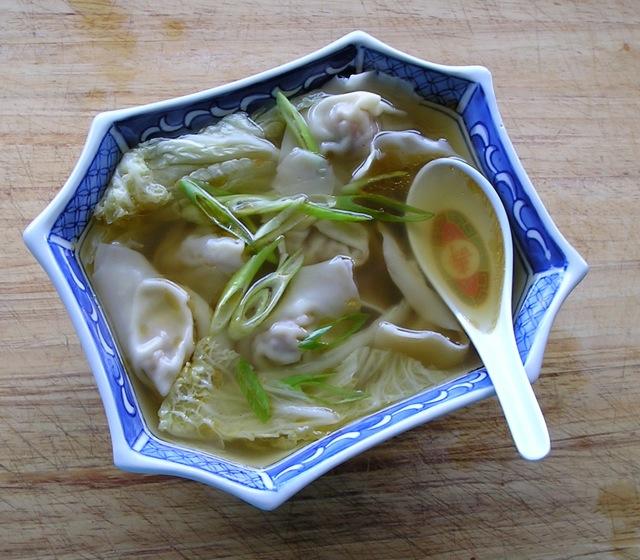 Traditional Chinese Recipes: Huntun Tang (Wonton Soup)