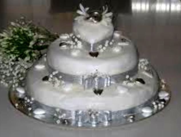 Amore romantico 25 anni di matrimonio nozze di argento for Decorazioni torte per 60 anni di matrimonio