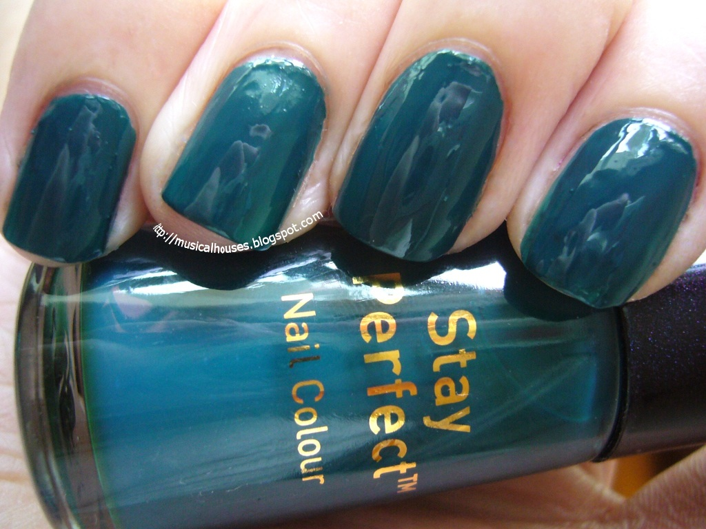 Boots No 7 Totally Teal NOTD - of Faces and Fingers