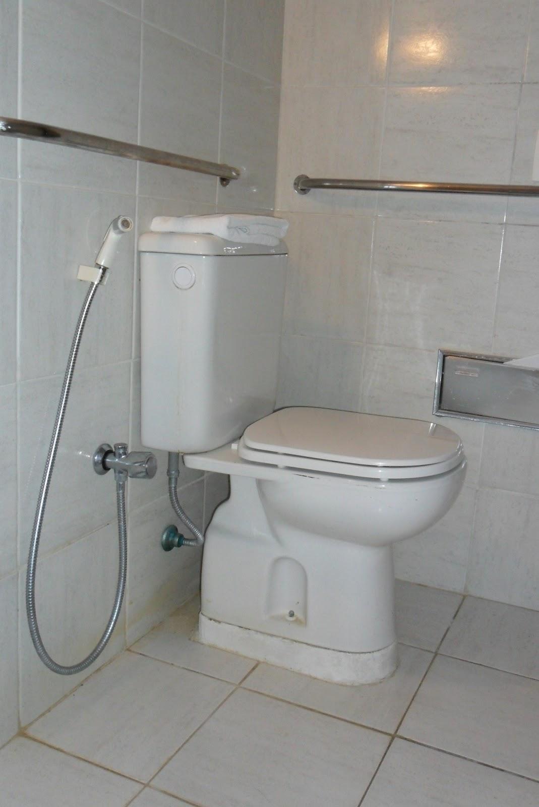 Cadeira Voadora: João Pessoa de cadeira de rodas – Parte 2  #846647 1069x1600 Banheiro Acessivel Com Pia