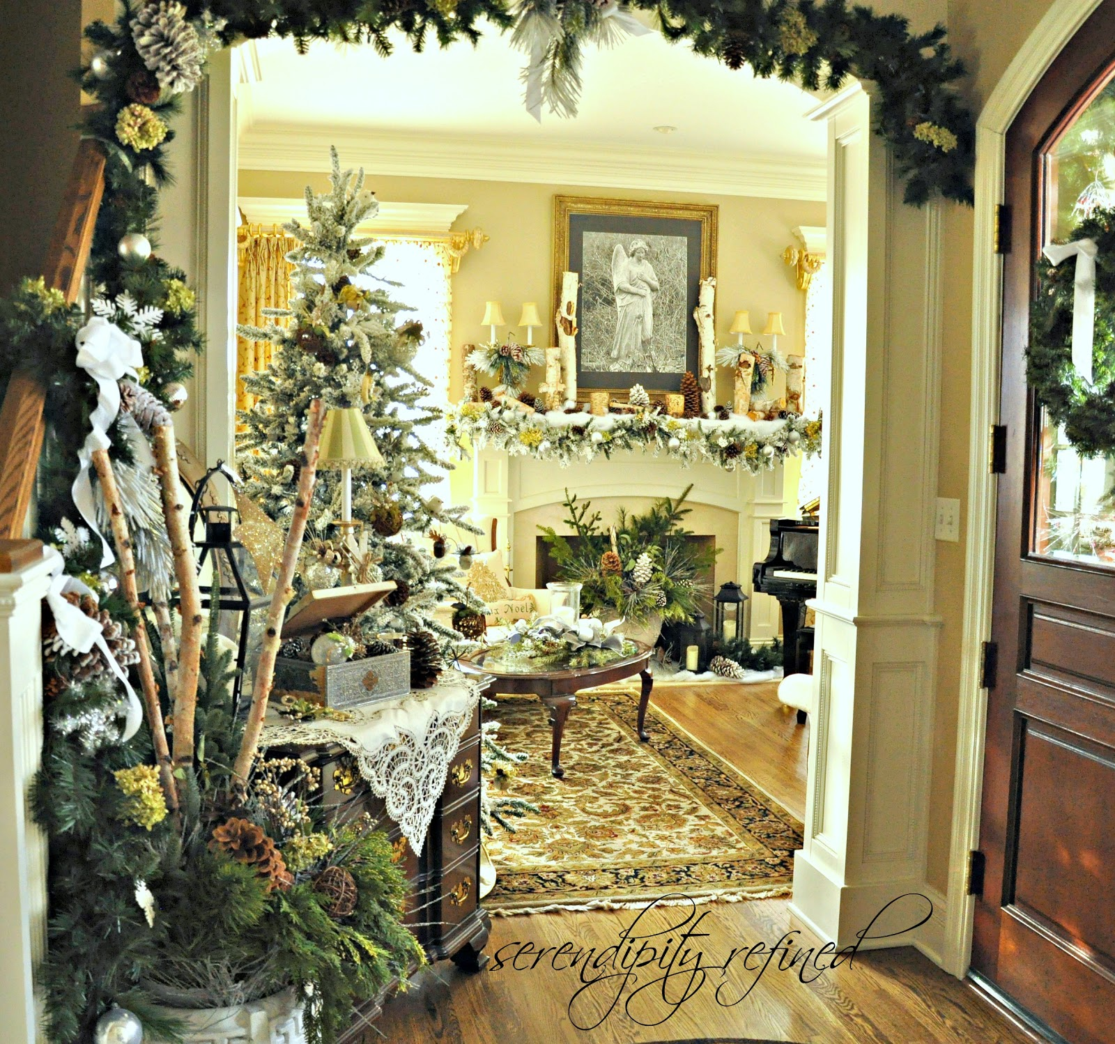 Serendipity refined blog 2012 holiday house walk stop 19 for Home decorations com