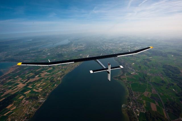 Sadece güneş enerjisiyle yol alan uçak
