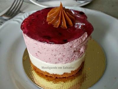 St. Michel Café Confeitaria: Cheesecake de Frutas Vermelhas