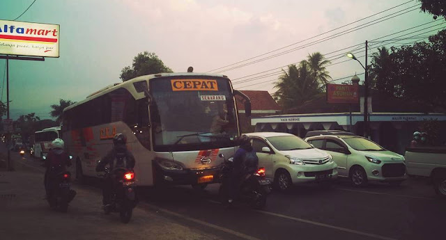 ugal ugalan bus eka