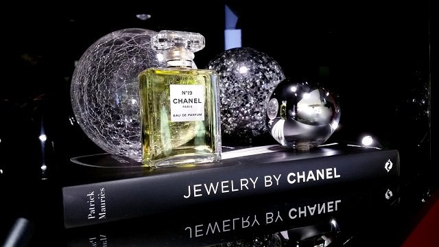 chanel beauty boutique firenze, veronique tres jolie, chanel n 5
