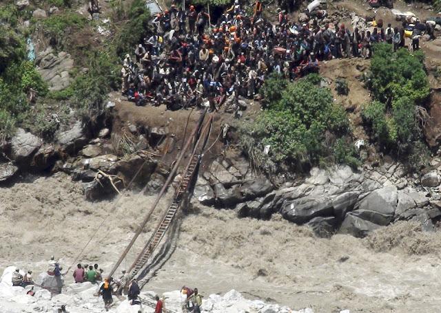 வெள்ள நிவாரணப் பணிகள்-கேதர்நாத்..படங்கள் இணைப்பு Floods.+Rescue+18.
