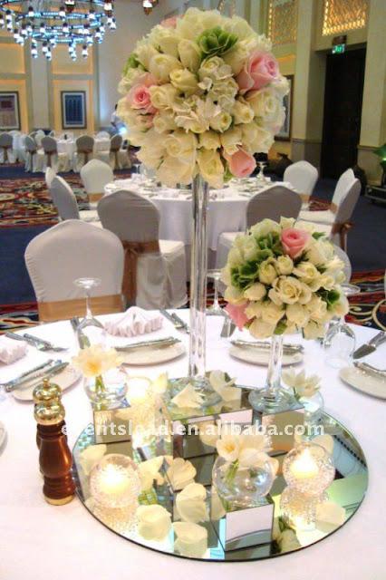Decoracion de boda centros de mesa con espejo y vela for Espejos alargados