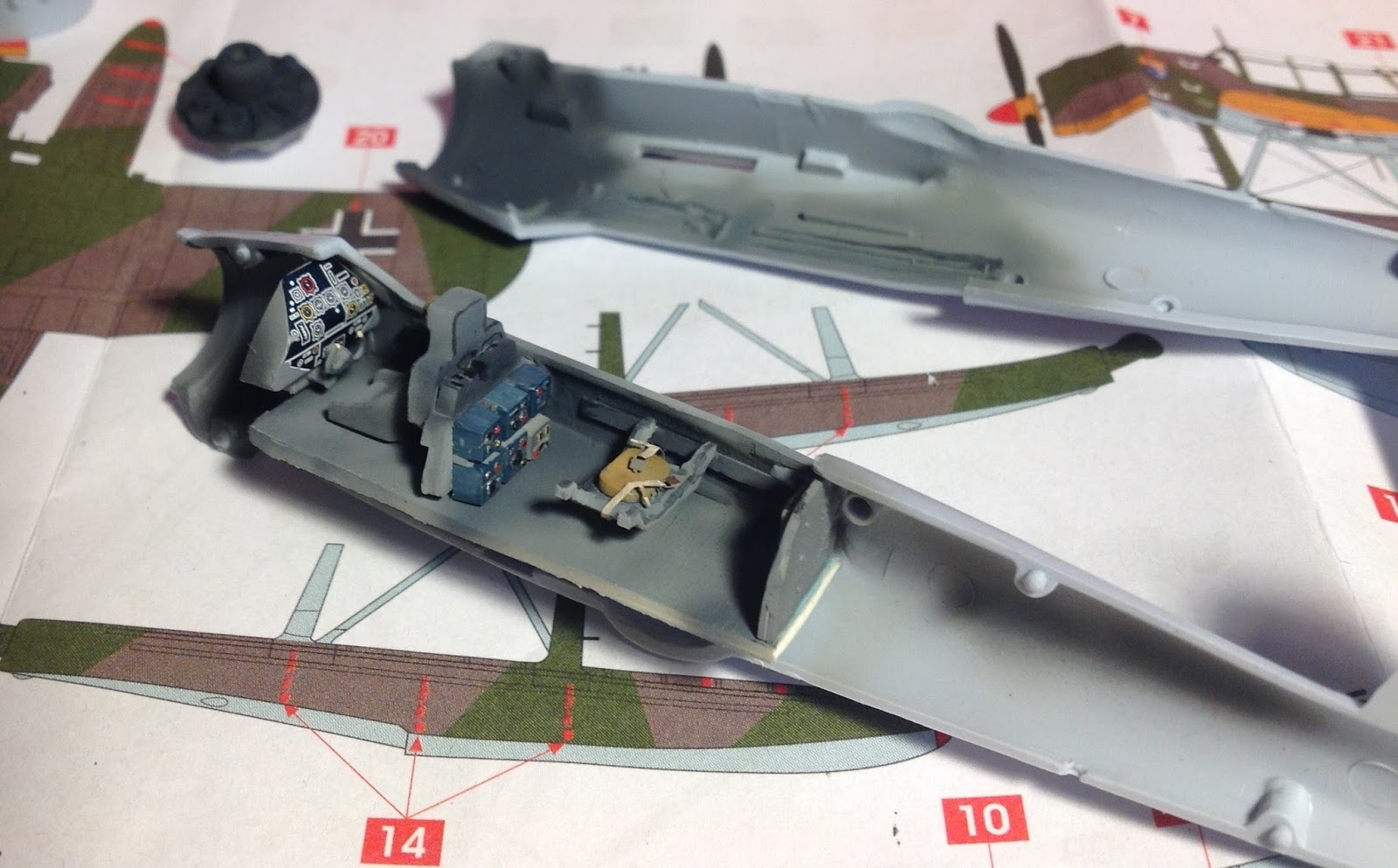 1/72 Scale Kits & Diorama: ARADO AR-196 A-3 Water Diorama
