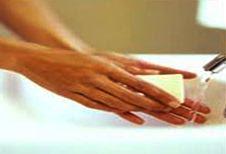 Dibujo Lavándose las manos con jabón