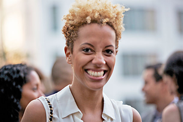 Se couper les cheveux, tailler les pointes, tailler un TWA... - Page 5 Philpinto_carly-cushnie
