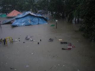 typhoon Nesat hit Philippines
